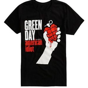 22822209ff2b Hot topic Green day American idiot shirt